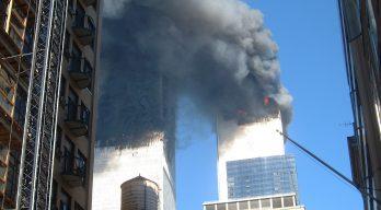 閲覧注意] 9・11同時多発テロか...